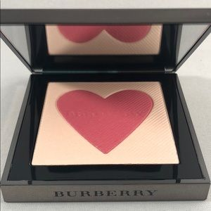 Burberry London with Love Blush highlighter 0.2